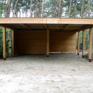 Dubbele carport geheel open 930 x 630 x 220 x 260 cm € 6.795,- -